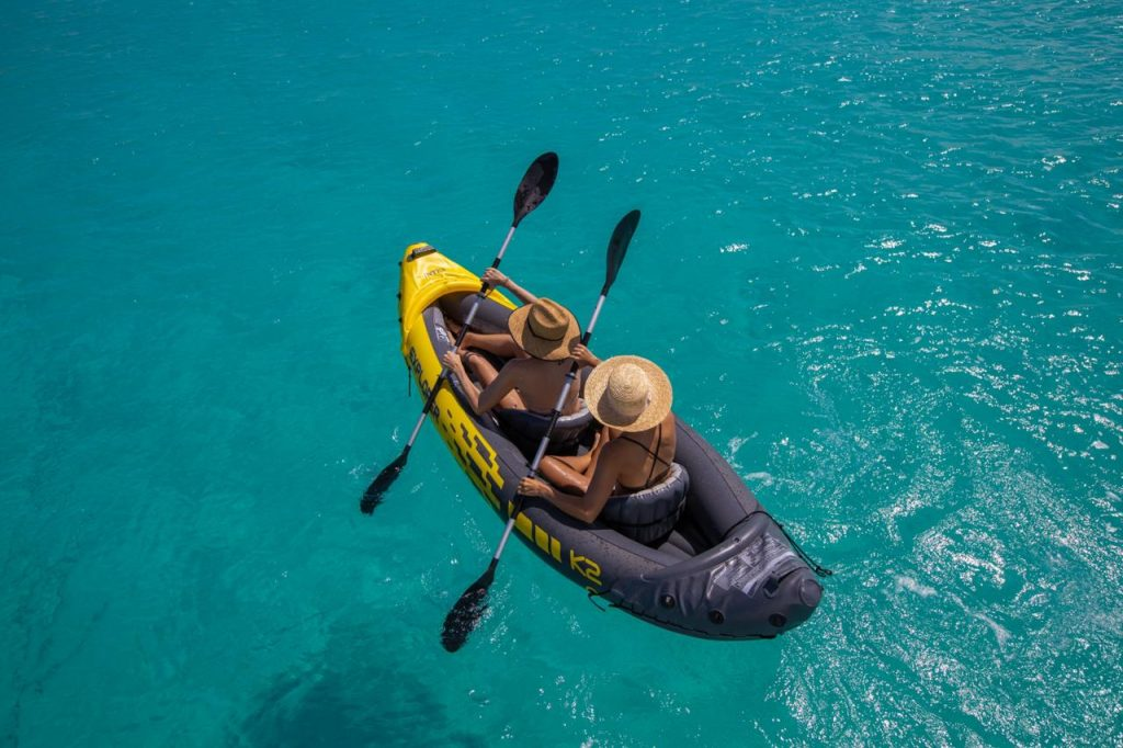 2 guests kayaking in the pristine water of Anguilla